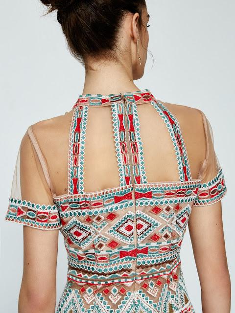 http://www.casualchic.es/es/productos/detalles/vestido-de-tul-con-bordado-tribal/3488