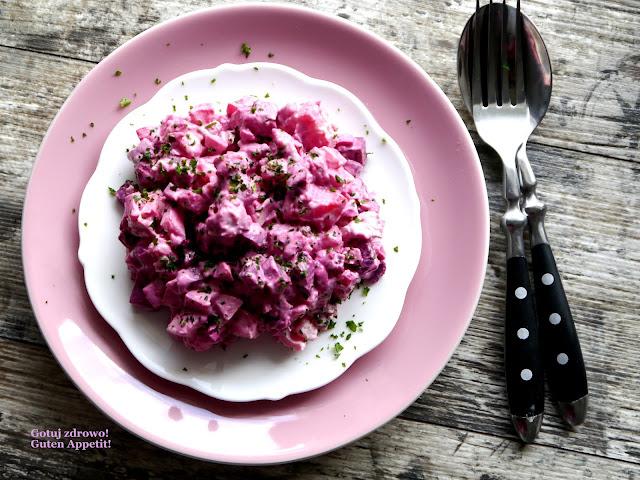 Różowa sałatka śledziowa - Czytaj więcej »