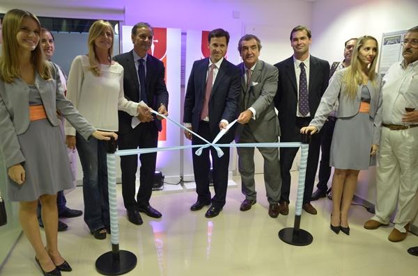 El informatorio banco galicia inaugur la sucursal n 261 for Sucursales de galicia
