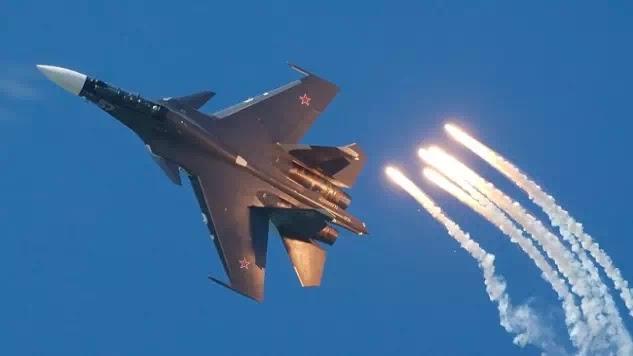 Μαχητικά αεροσκάφη Su-30SM και SHORADS και Pantsir S.1 μετέφερε η Ρωσία στη νέα βάση της στο Ιράν!