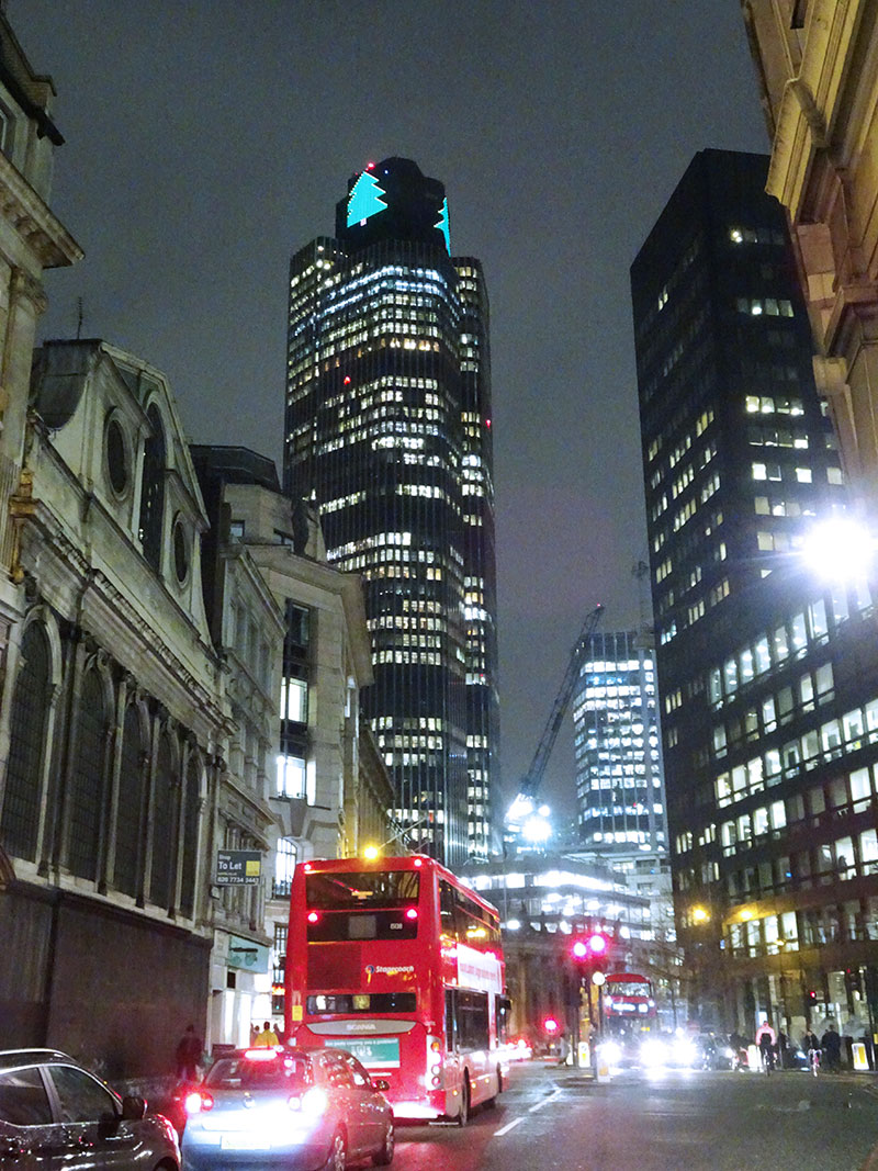 London_Gorgeous_Christmas_Lights_Photographs_Tower42