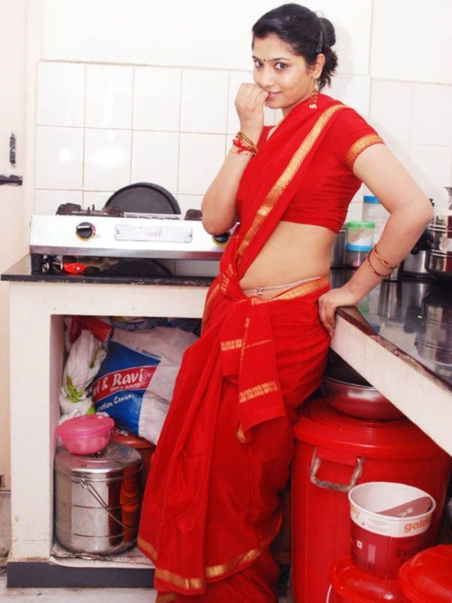 Tamil actress liya spicy red saree pohoshoot beautiful for Indian hot house