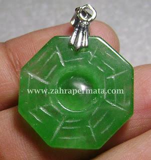 Liontin Batu Giok Jadeite Jade