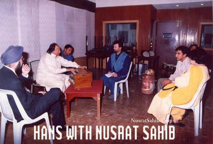 Ustad Nusrat Fateh Ali Khan Sir with Hans Raj Hans Ji during the Music Composition of the movie Kachche Dhaage | NusratSahib.Com