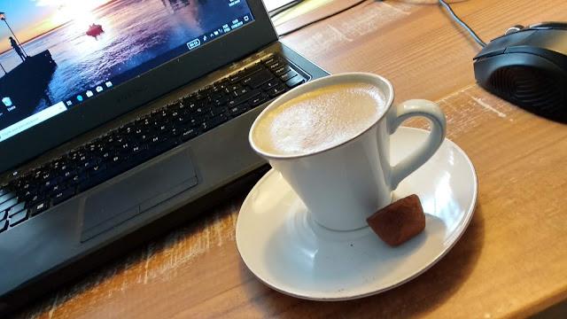 Café e trufas de chocolate!