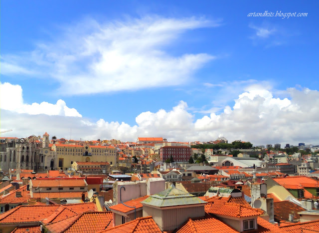 Lisboa... cidade de tantas paixões, recordações e tradições... num só lugar... Procuram-te aqueles... que em ti, se desejam encontrar!... / Lisbon... a city of so many passions, memories and traditions... all in one place ... They'll look for you... those who wish to find themselves, in you!...