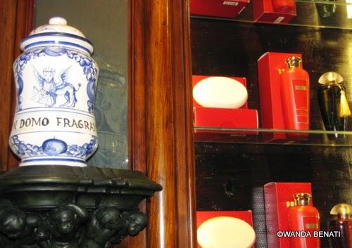 The Merchant of Venice: lampada in ceramica e prodotti della linea bagno
