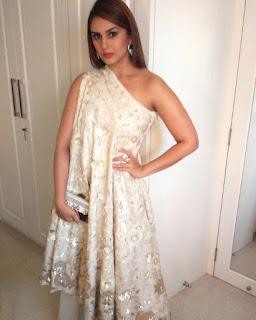 huma qureshi sexy dress
