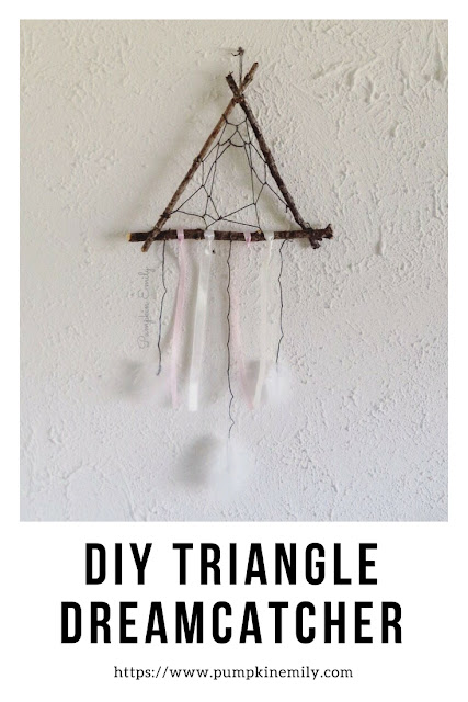DIY Triangle Dreamcatcher