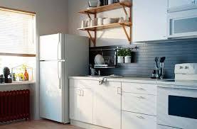 2 Model Lemari Dapur Sebagai Pelengkap Dapur