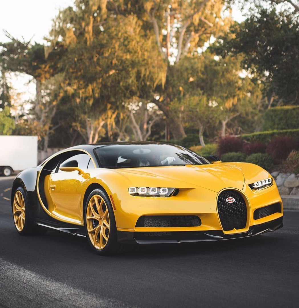 The new Bugatti Chiron - a supercar to infinity and beyond