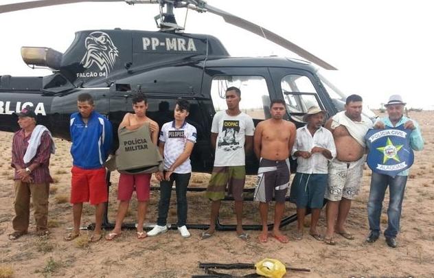 Operação das polícias civil e militar em Piranhas e Olho D'Água do Casado resulta na prisão de nove pessoas envolvidas em vários crimes