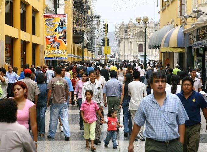 Peruanos prefieren guardar su dinero bajo el colchón que en un sistema financiero