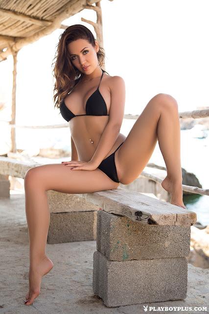 Adrienn Levai modelo playboy plus