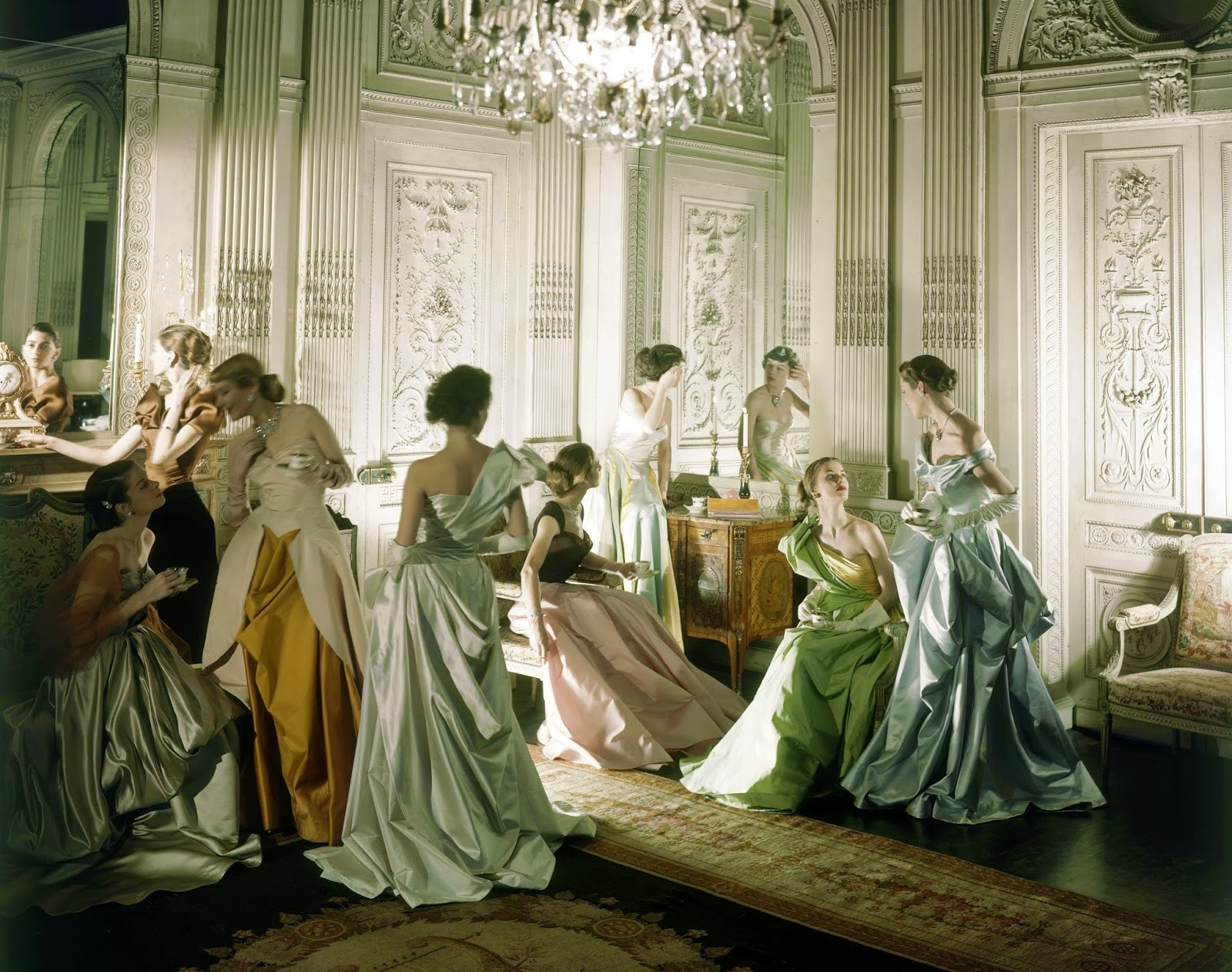 Vogue models in Charles James gowns at the French & Co New York by Cecil Beaton in 1948 | Ses Rêveries