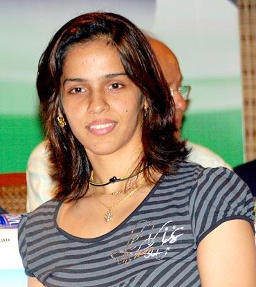 Rackets used by pv sindhu and saina nehwal