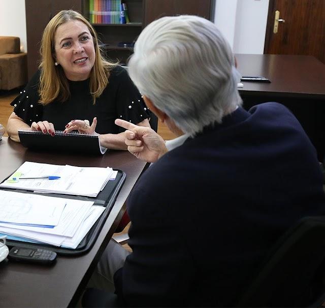 Caiado anuncia a professora Fátima Gavioli para Secretaria de Educação