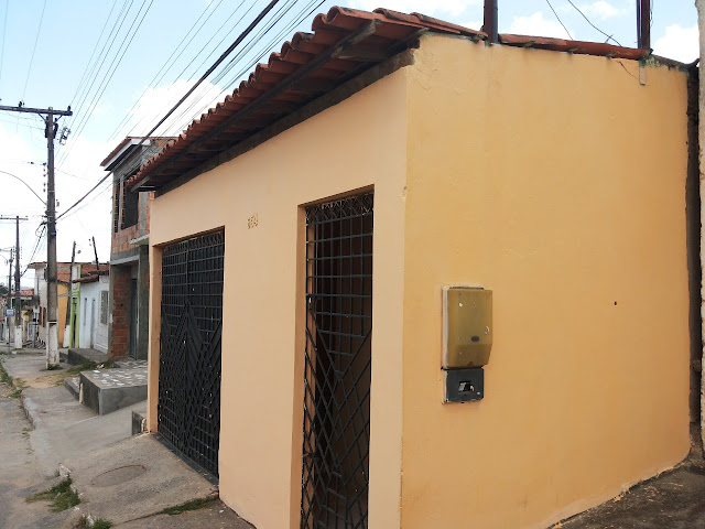BOA OPORTUNIDADE: Esta casa está á venda próximo ao Centro de Alagoinhas