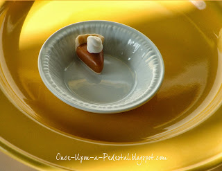 pumpkin-spice-latte-cupcakes-pie-toppers-free-tutorial-deborah-stauch