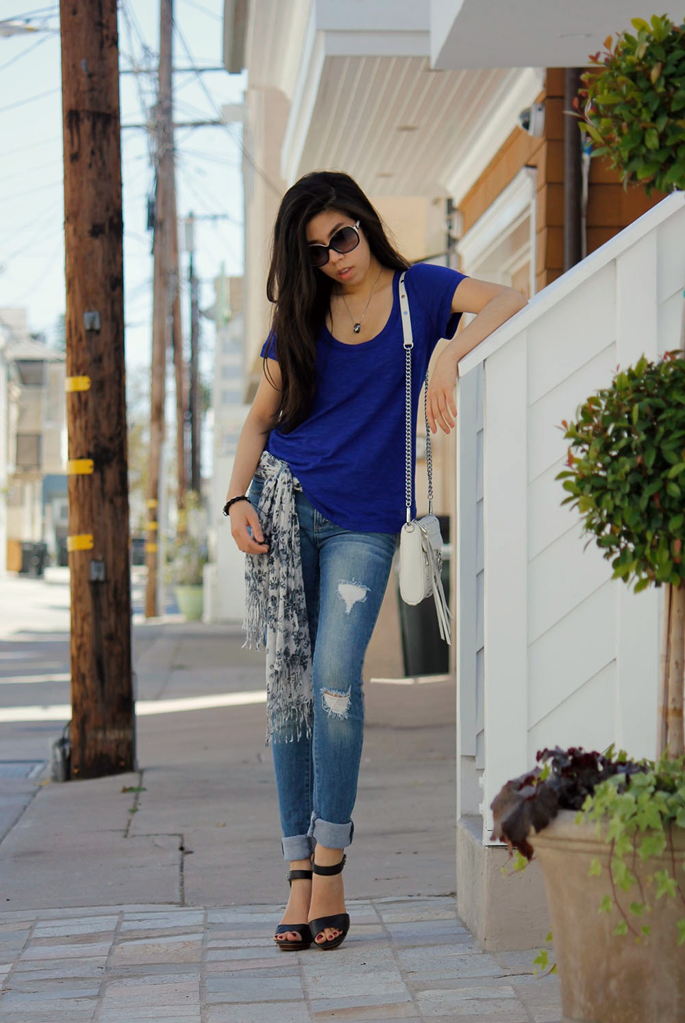 California Fashion Blogger _ Casual Cool Outfit _ Laid Back California Style _ LA Blogger _ Adrienne Nguyen _ Invictus