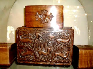 CHINAR SHADE WALNUT WOOD CARVING OF KASHMIR