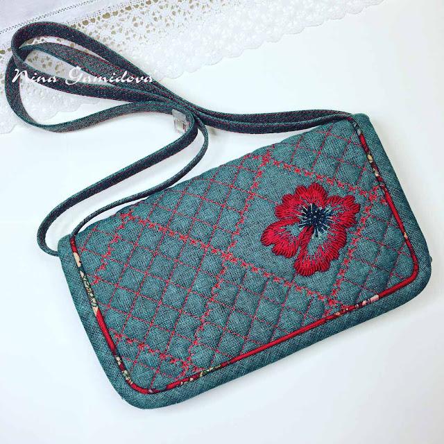 стёганная сумочка с ручной вышивкой
