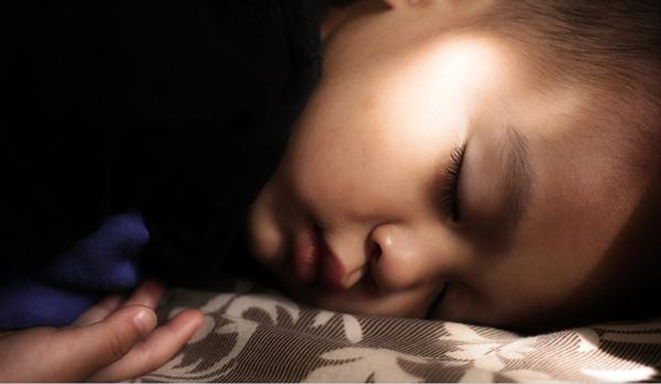 Cara mengatasi siswa sering tidur, penyebab siswa tidur di kelas, menghentikan kebiasaan tidur di kelas, biar gak gampang ngantuk, cara mengatasi siswa suka tidur