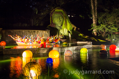 Earth Goddess/Chihuly Fiori Boat & Niijima Floats