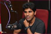 Allu Sirish at Red FM-thumbnail-6