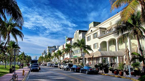 Ocean Drive Miami durante o dia