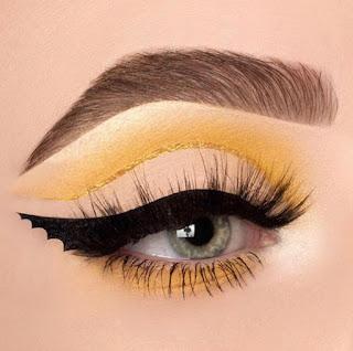 Tendencias de maquillaje para chicas en Instagram cejas grandes gruesas y definidas pestañas postizas