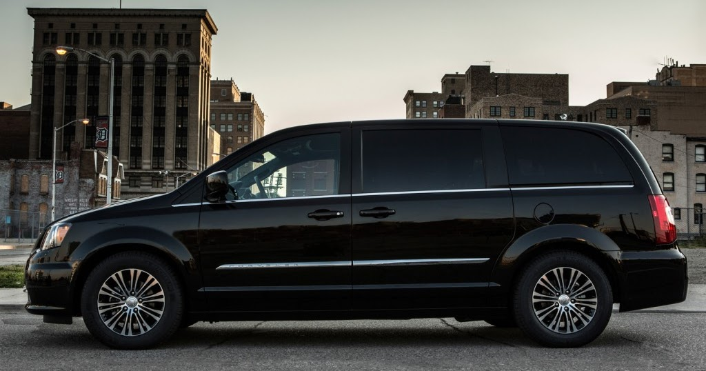 perry auto group 2013 chrysler town country number one in minivan segment for quality. Black Bedroom Furniture Sets. Home Design Ideas