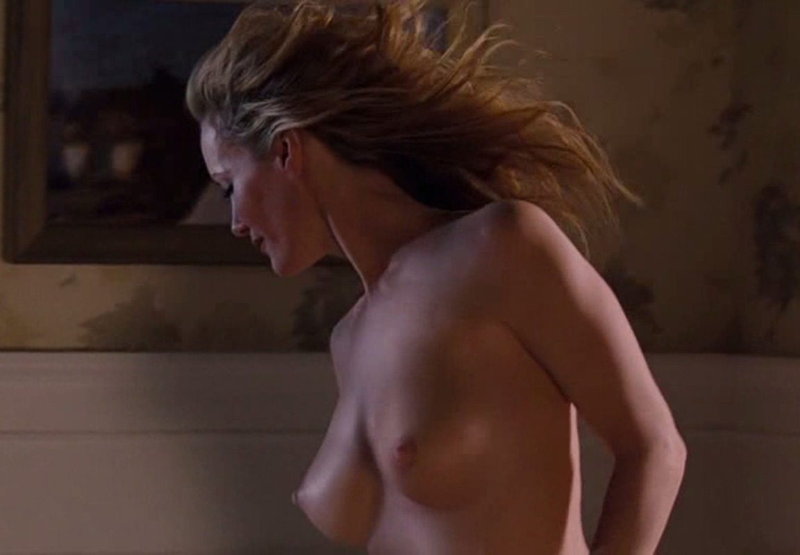 Leslie bibb shows nude tits and butt salem rogers