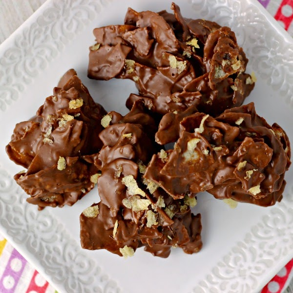 Chocolate Potato Chip Clusters | Renee's Kitchen Adventures: Sweet, salty, crunchy indulgence!