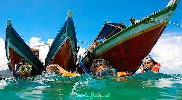perahu wisata ujung kulon