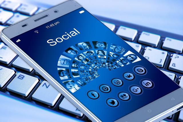 Muslimah Dan  Media Sosial