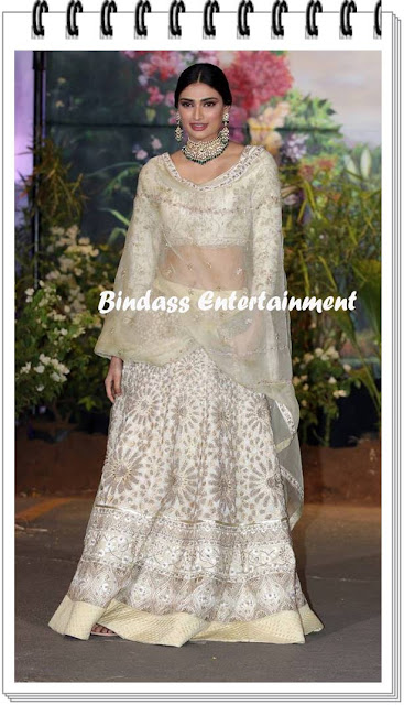 Athiya-Shetty-at-Sonam-Kapoor-marriage-and-reception-party