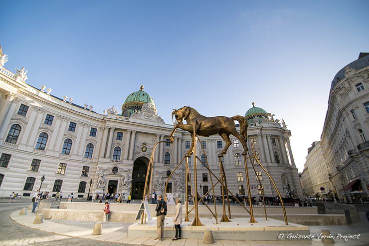 Fachada Hofburg - Viena por El Guisante Verde Project