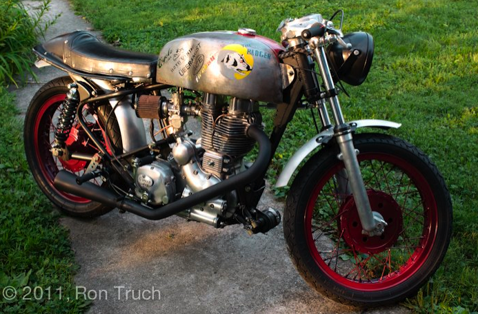 hell for tweed.: the oddball café: café racers with a (figurative