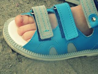 Sandałki na dwór i do przedszkola, które warte są Twojej uwagi.