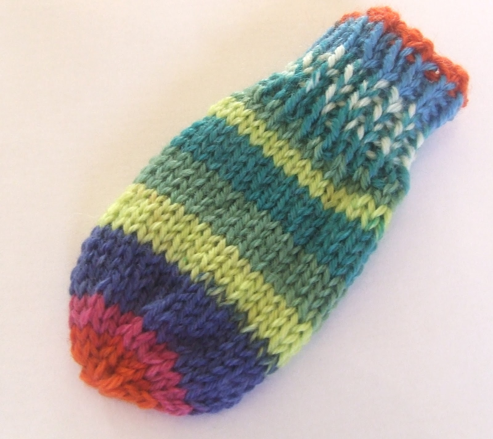 The Yarn Owl's Nest: How to knit thumbless mittens - Tommy ...