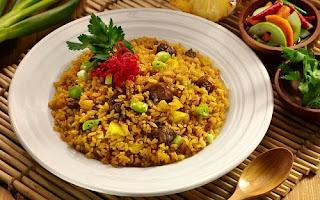 ilustrasi nasi goreng kambing tantri setyorini