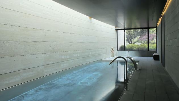Casas con piscinas en interiores exteriores dise o de for Casas con piscina interior fotos