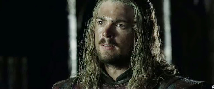 Screen Shot Of Hollywood Movie The Lord of the Rings The Two Towers (2002) In Hindi English Full Movie Free Download And Watch Online at worldfree4u.com