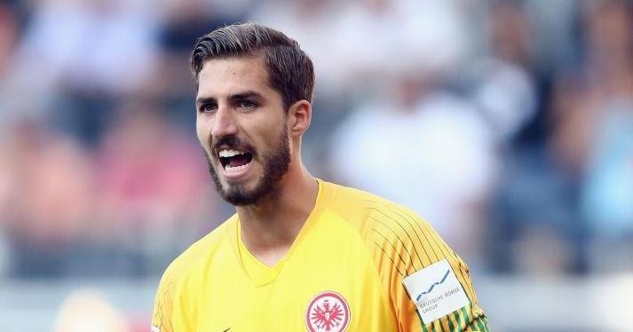 Kiper Frankfurt Senang Buat Inter Milan Tak Cetak Gol