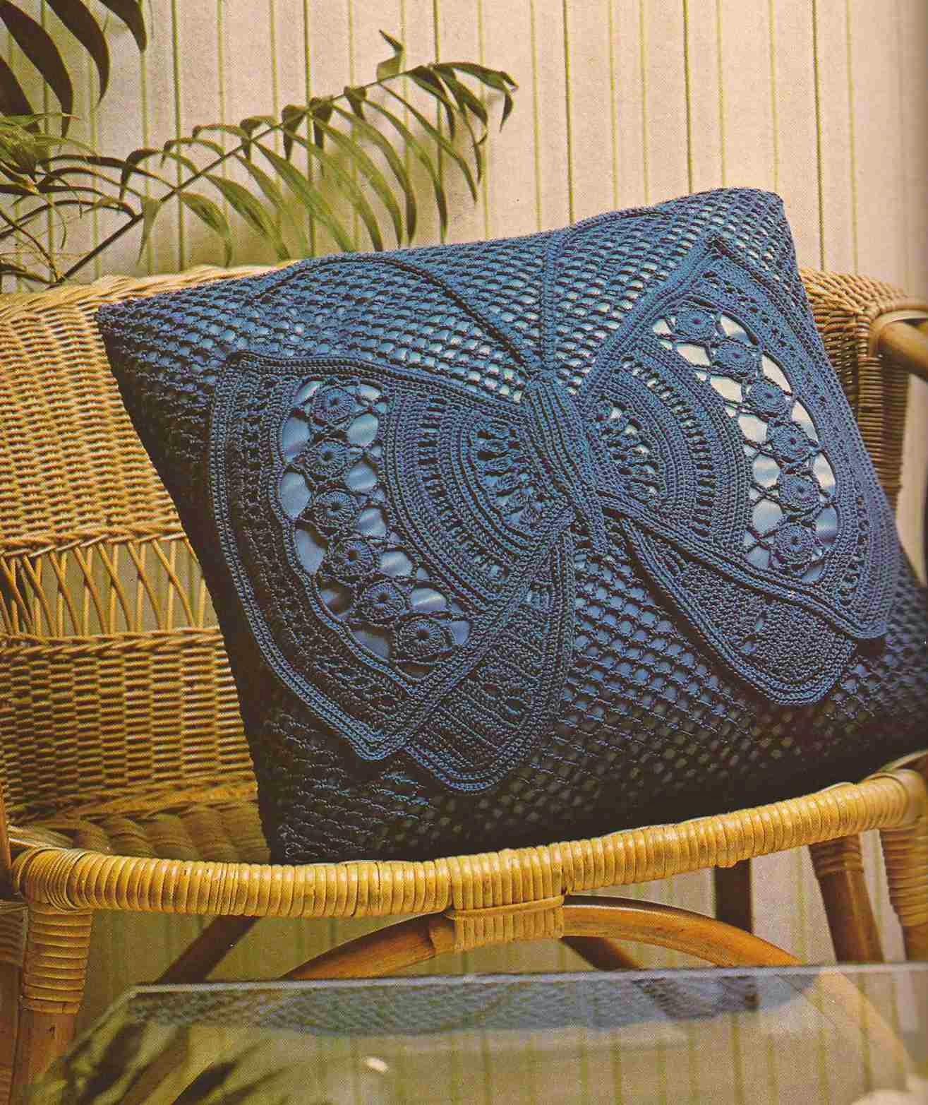 Cojín a Crochet Mariposa (Con las Alas Desplegadas)