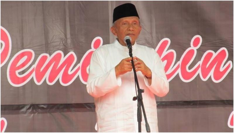 Amien Rais berpidato di Rapat Akbar Forum RT RW