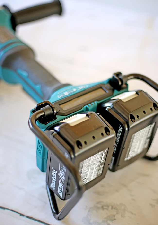 Makita Angle grinder with two 18-Volt batteries must be install at the same time