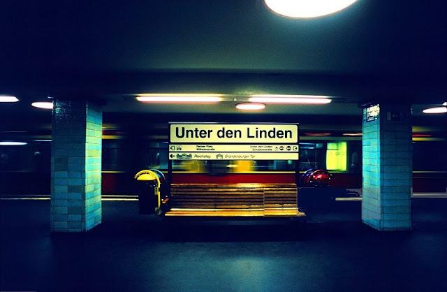 Metrô na Unter den Linden