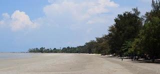 tempat wisata di bangka belitung pantai pasir padi